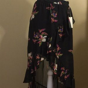 New!  Sexy floral skirt w/ ruffle down the side
